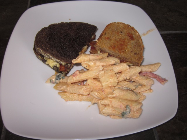 Half sandwich of each bread, with smoked gouda and artichoke pasta salad.